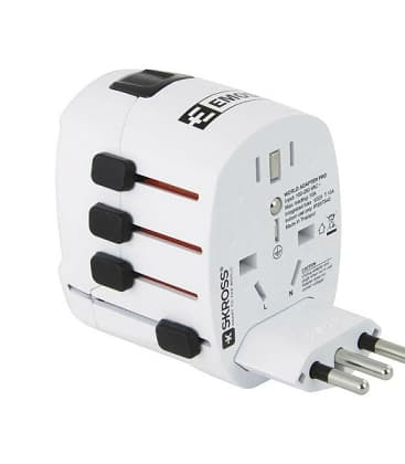 Travel adapter P0056